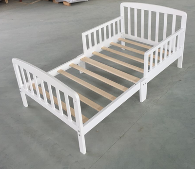 White Wood Toddler Bed for Kid